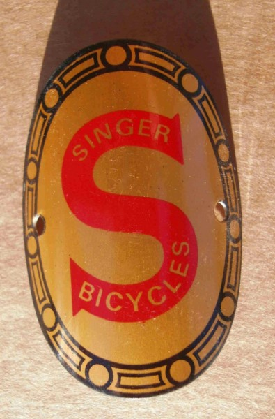 Head Badge Singer