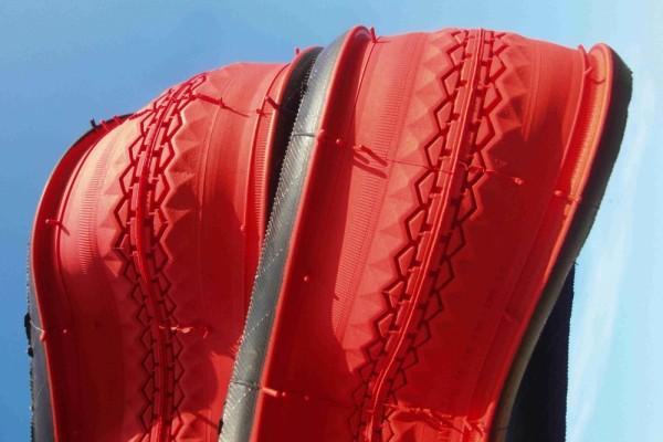 Bordure perlée pneus 28 x 1 1/2 rouge brique
